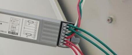 荧光灯电子镇流器接法